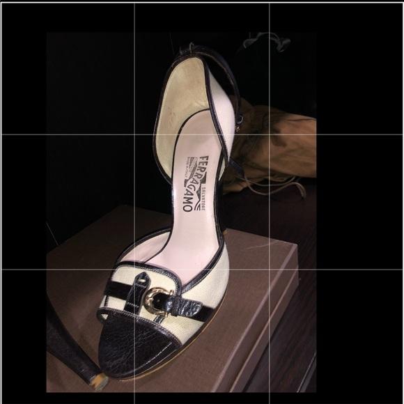 Salvatore Ferragamo Shoes - Salvatore Ferragamo heeled sandals